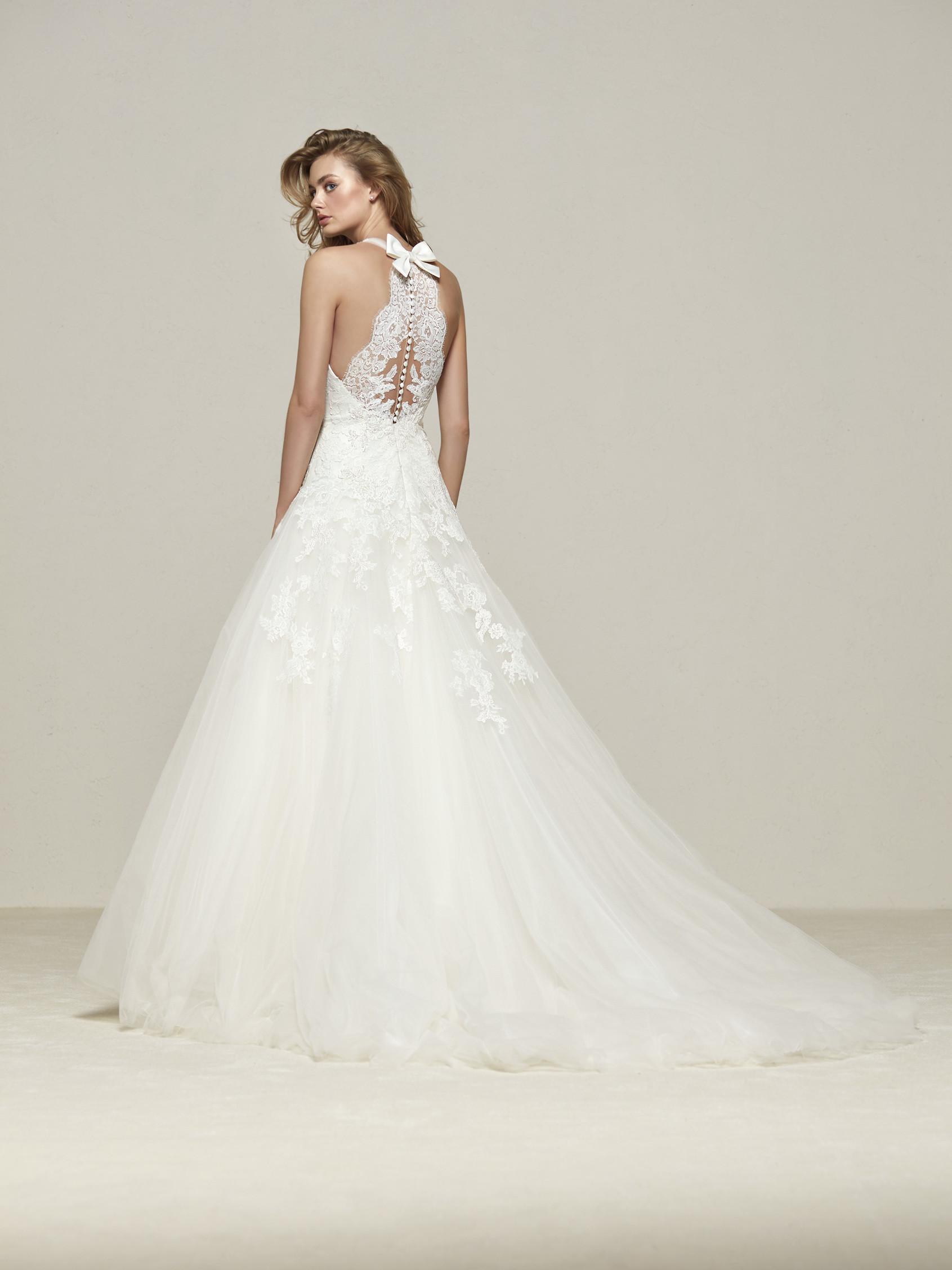 Pronovias drisara wedding dress 2018 collection essex for Pronovias wedding dresses price range
