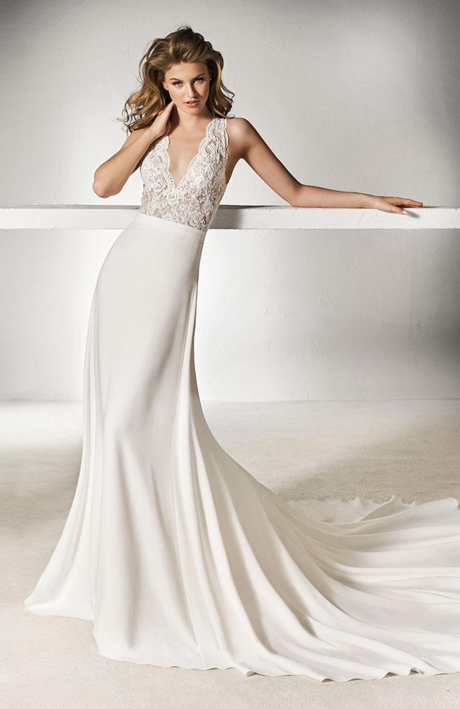 Pronovias Xamat Wedding Dress in size 8 - Sale at £950