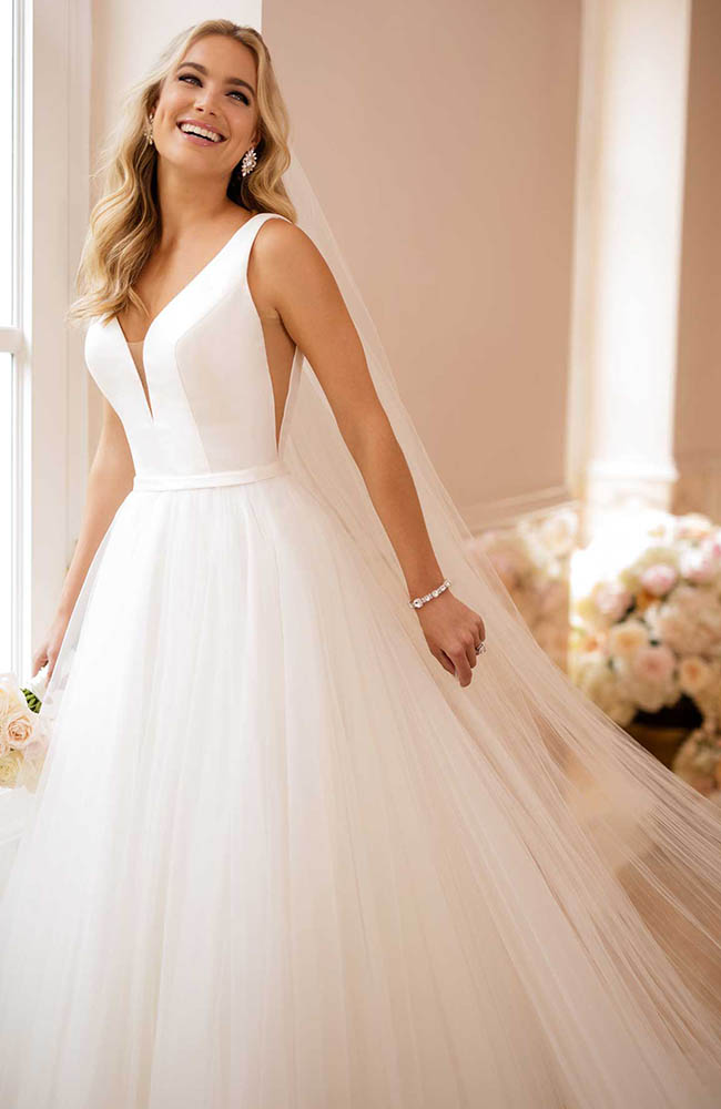 Stella york 6404 high neck sheath wedding dress lace for Simple designer wedding dresses