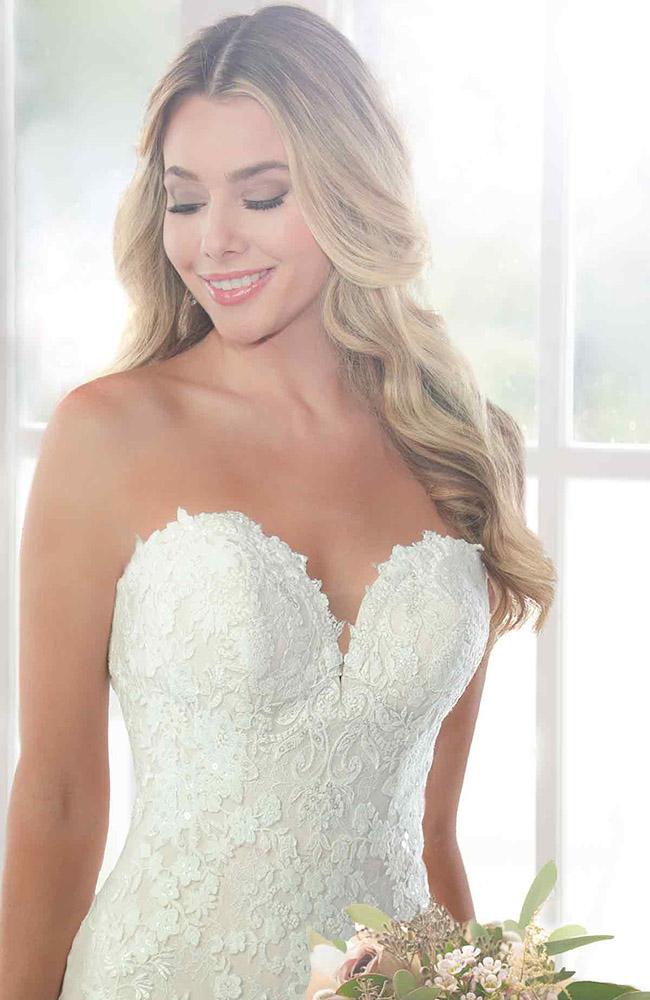 4fb00457e3 Stella York 6814 French Lace Wedding Dress - Price £1499